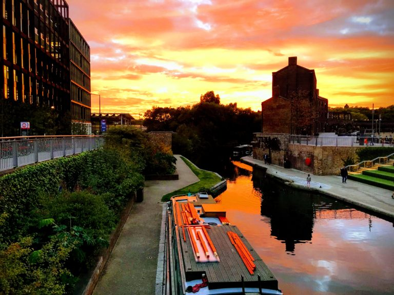 Sunset alongthe Regent's canal in October.